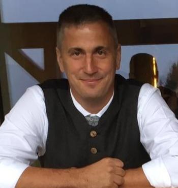 Hannes Zimmermann, Axams, Aufzugsmonteur und Schafhalter